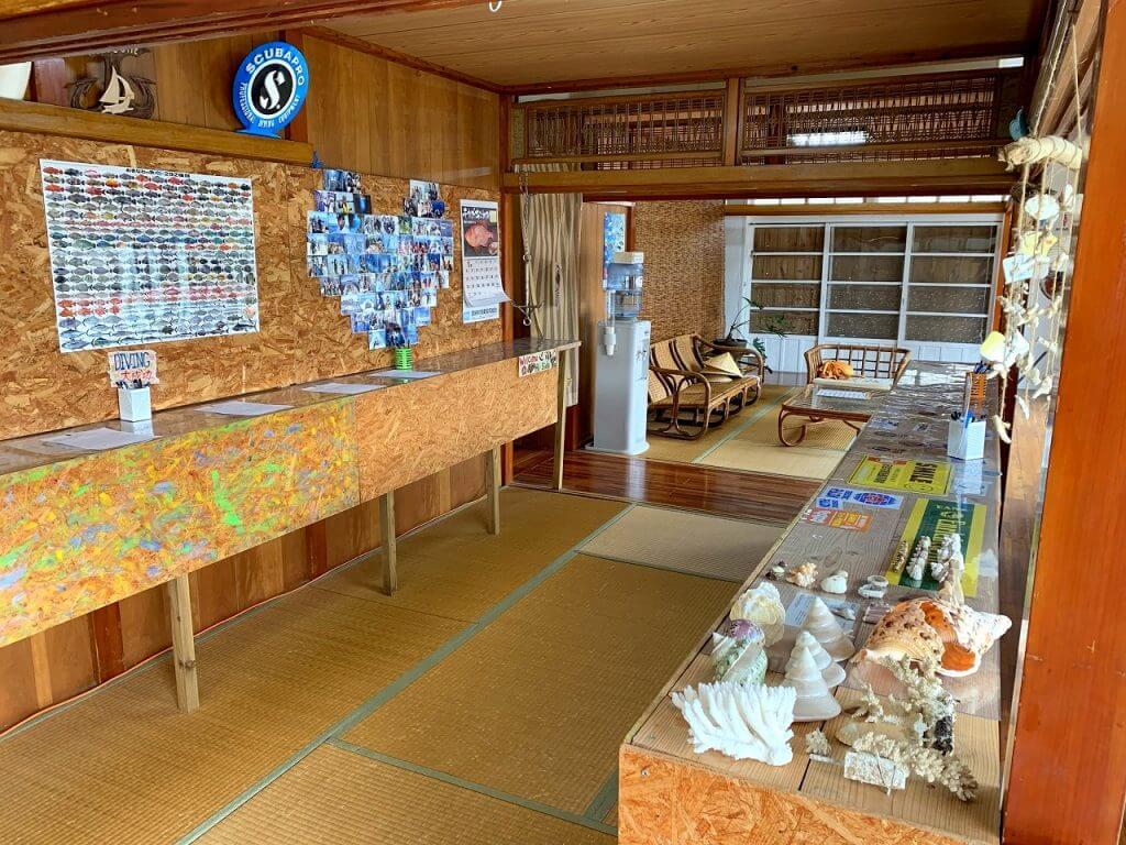 沖縄青の洞窟ハイサイド店舗内観