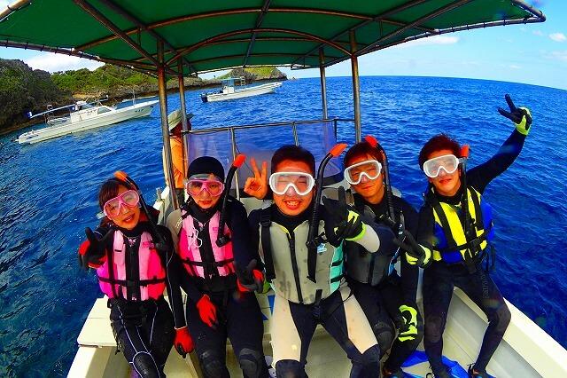 沖縄青の洞窟ボート便