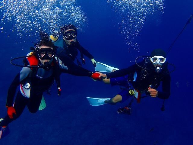 お客様を専属でサポートするので安心ダイビングできます。