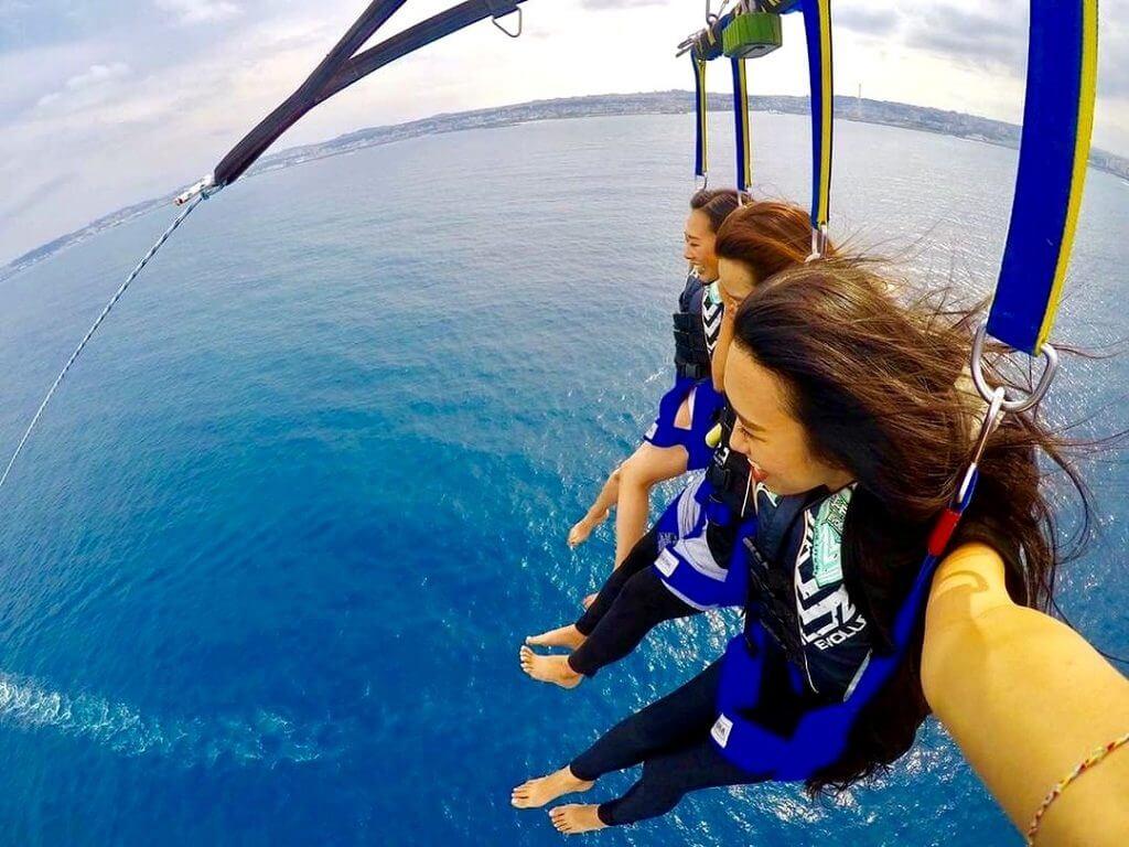 沖縄パラセーリングで絶対満足できるツアー