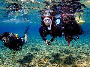 青の洞窟でダイビングを体験
