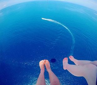 沖縄パラセーリングロープ長さ120mでご案内