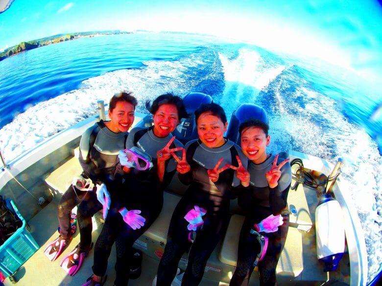 毎日5組限定!青の洞窟ボート体験ダイビング&パラセーリング2