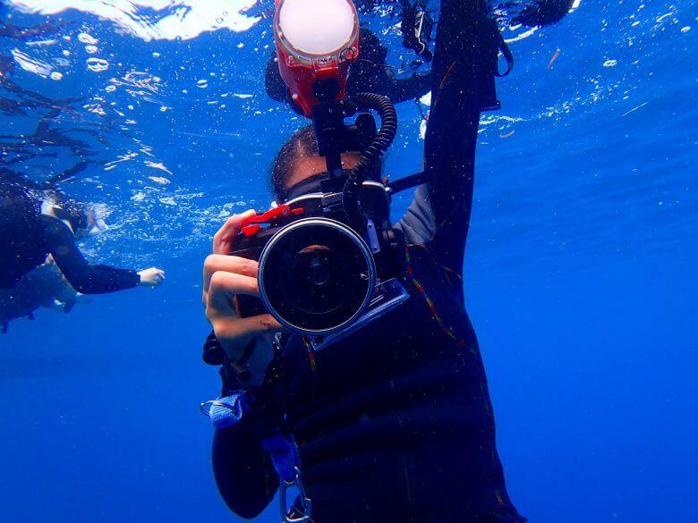 青の洞窟コース撮影無料について