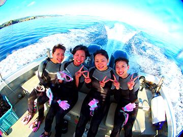 沖縄青の洞窟でダイビング