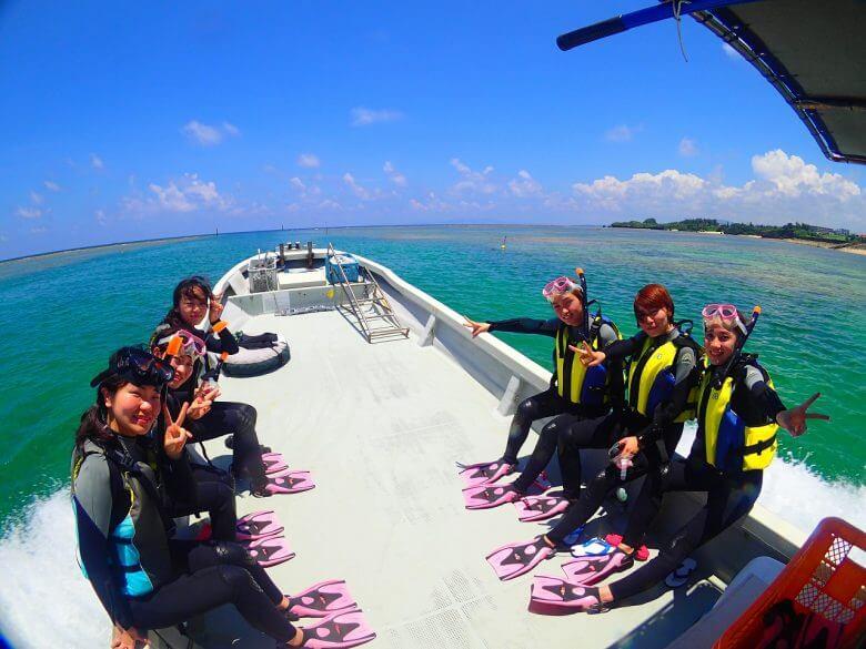 沖縄贅沢セット♪ パラセーリング&青の洞窟シュノーケリング&絶叫ウォータートイ2