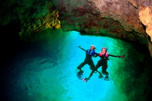 早朝沖縄青の洞窟