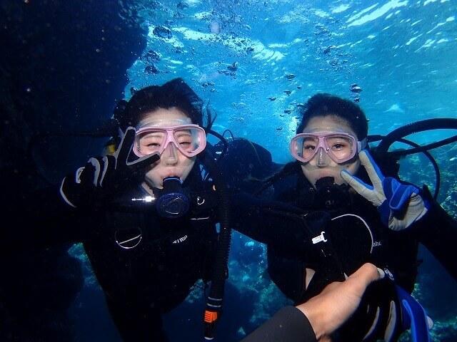 毎日5組限定!青の洞窟ボート体験ダイビング&パラセーリング6