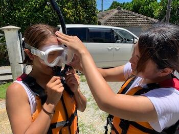 青の洞窟初心者のための水中メガネ付け方