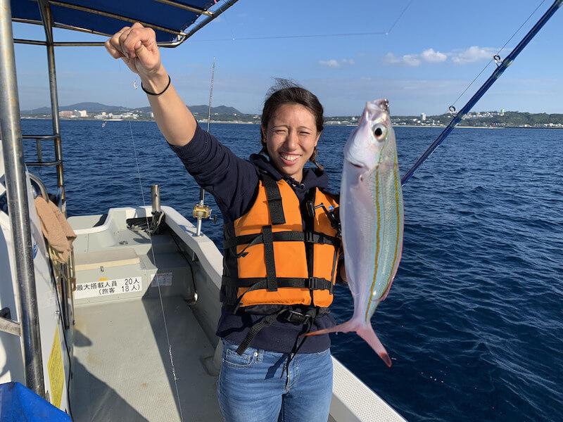 沖縄で釣りが体験できるアクティビィティです。