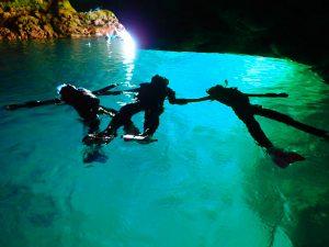 青の洞窟でリラックス